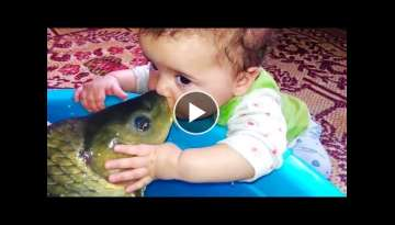 BABY MEET FISH FOR THE FIRST TIME