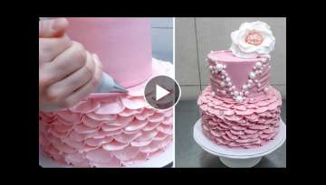 Buttercream Ruffle Cake Decoration Idea