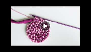 Start of crocheting round using T-shirt yarn, video 1